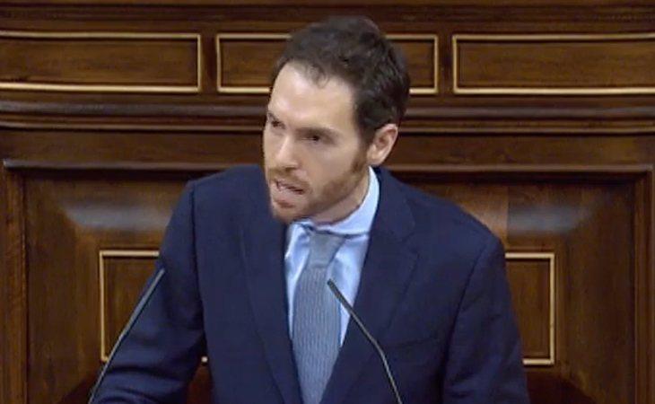 Sergio Sayas (NA+), a Pedro Sánchez (PSOE): 'Blanquean a EH Bildu para llegar al Gobierno'