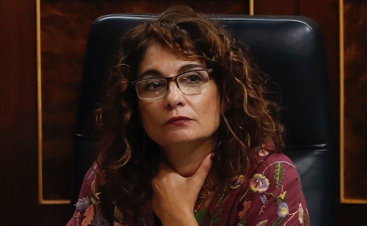 María Jesús Montero (PSOE) vota SÍ a la investidura de Pedro Sánchez