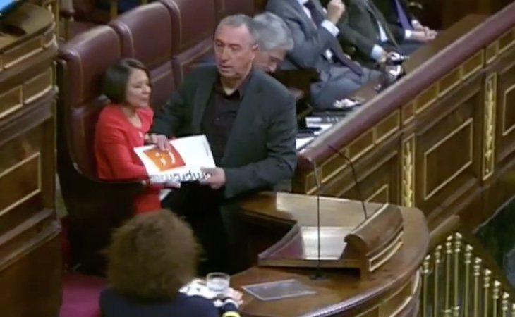 Llega Joan Baldoví (Compromís): 'Señor Abascal, cuando cobraba dinero público de un chiringuito... ¿lo hacía por Dios o por España?'