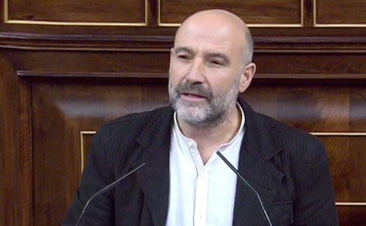 Néstor Rego (BNG): 'Hemos alcanzado un acuerdo para mejorar la Axenda Galega, por ello apoyamos esta investidura'. Lanza un mensaje a la derecha: ...