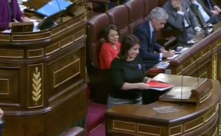 Sale la portavoz del PSOE, Adriana Lastra: 'Las derechas no aceptan la democracia, están ridiculizadas y cuestionan el derecho de la mayoría a ...