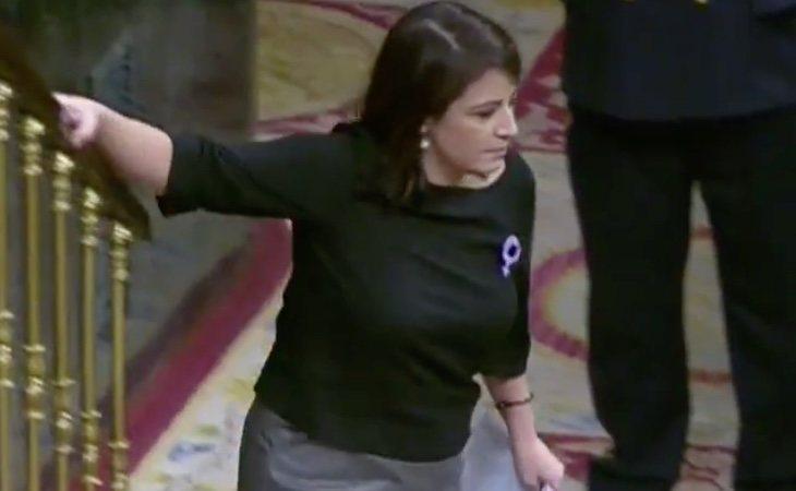 Lastra termina visiblemente emocionada con un mensaje a Pedro Sánchez: 'Gracias por aguantar y demostrar que la política sirve'