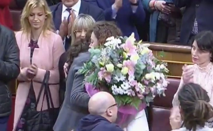 Aplauso unánime para Aina Vidal (UP) la diputada que tuvo que ausentarse de la primera votación por una grave enfermedad