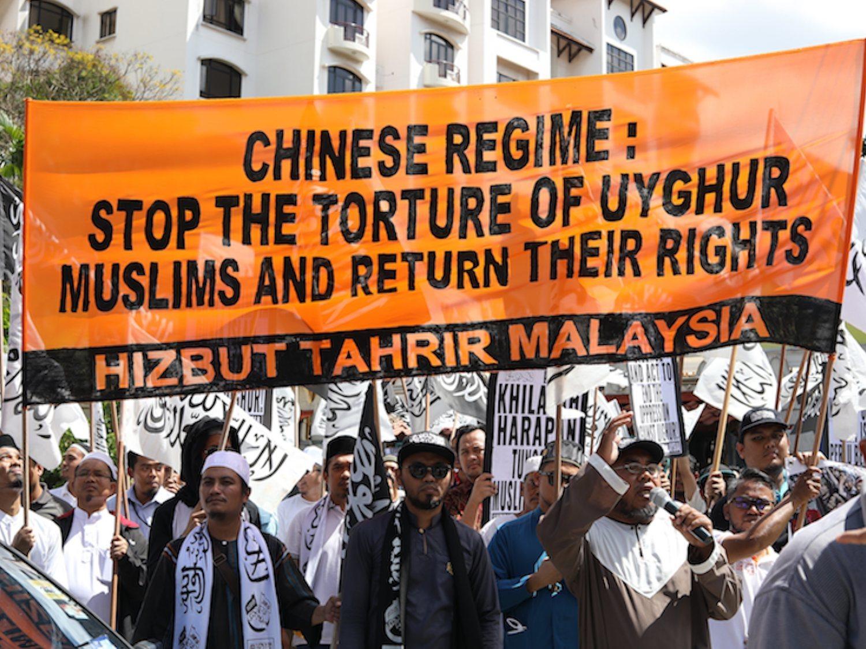 Los campos de concentración en China donde las multinacionales fabrican con represaliados