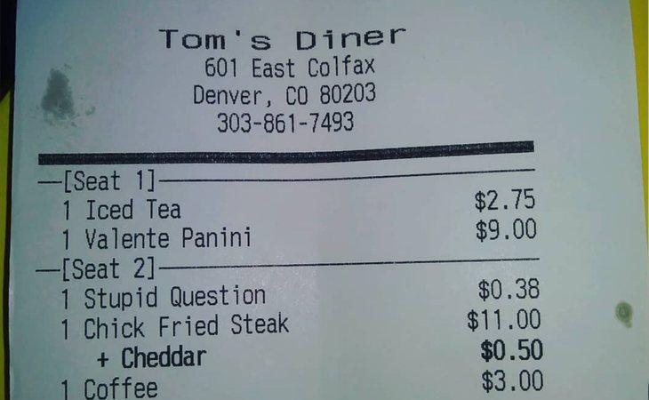 Tom's Diner cobró un extra de 38 centavos a unos comensales por formular una 'pregunta estúpida'