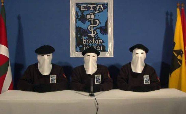 Imagen de ETA anunciando el alto al fuego