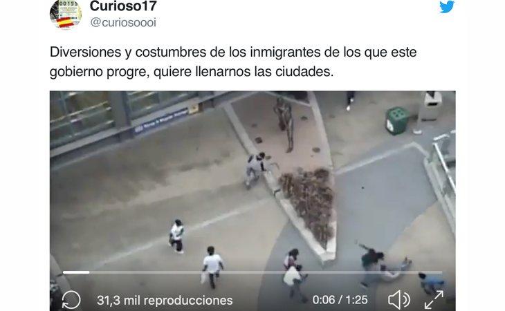 Tuit criminalizando la inmigración en España donde se puede ver la estatua de un jugador de beisbol (EEUU)