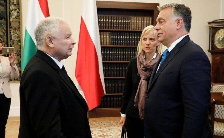 Orbán y Kacynski han recibido múltiples críticas por restringir el Estado de Derecho en sus respectivos países