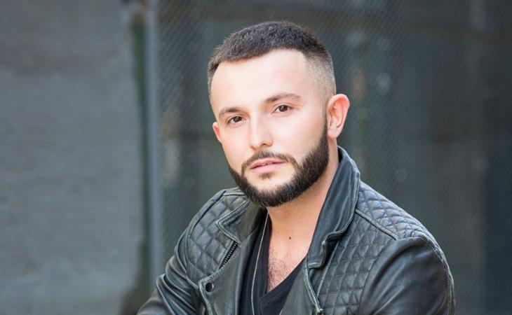 Vasil inició su carrera musical fuera de Macedonia