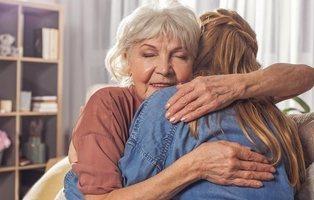 El trabajo de cuidados no remunerado de mujeres equivale a 10 billones de euros anuales
