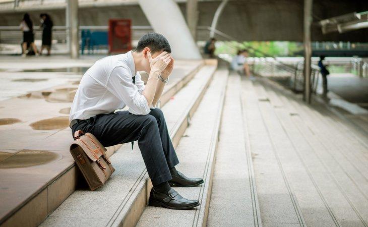 La persona puede ser excluida de las actividades de grupo que se ejecutan durante la jornada laboral