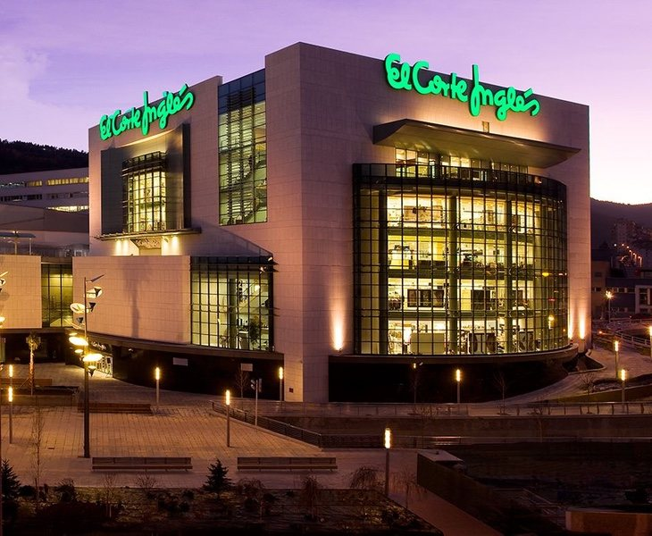 7 motivos de la caída de El Corte Inglés: por qué cierra centros comerciales