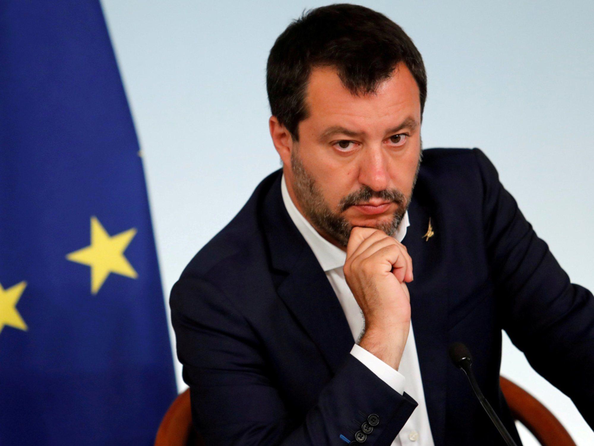 Salvini humilla a una familia tunecina llamando a su casa para preguntarles si venden droga