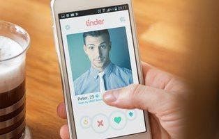 """Tinder introducirá un botón del """"pánico"""" para evitar acoso entre sus usuarios"""