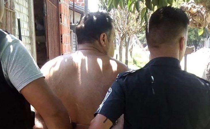 El acusado fue detenido tras un forcejeo con los agentes