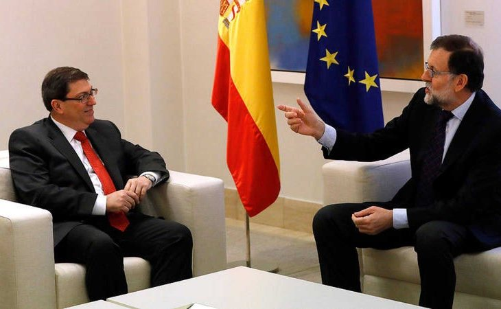 Rajoy con Bruno Rodríguez, ministro cubano de Exteriores