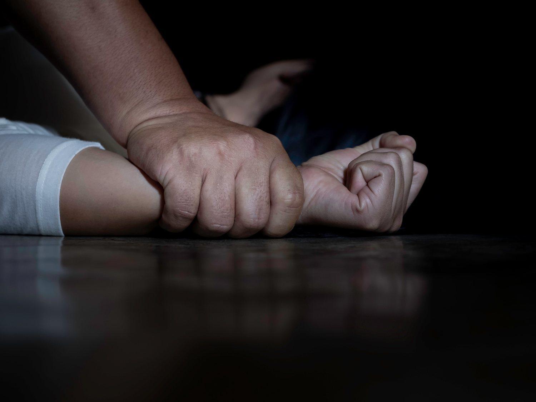 Un violador reincidente agrede en su casa de Sevilla a una mujer a la que persiguió tres horas