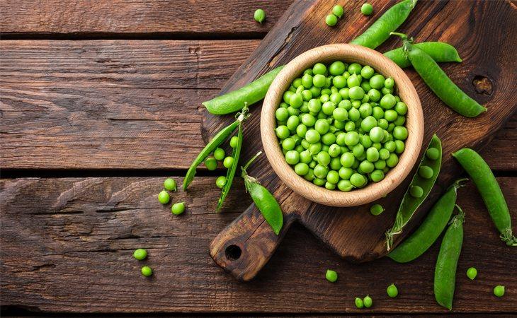 Los guisantes contienen 365 kilocalorías por cada 100 gramos