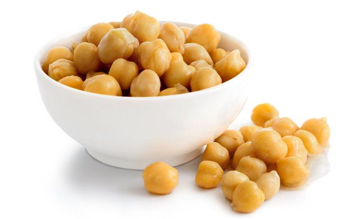 Los garbanzos contienen 373 kilocalorías por cada 100 gramos