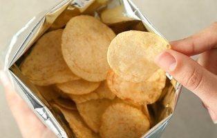 Las 5 patatas fritas de bolsa que menos engordan del mercado