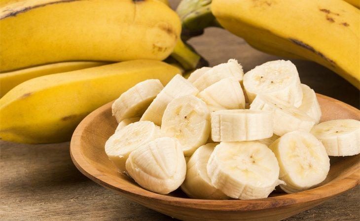 El plátano contiene mucho potasio