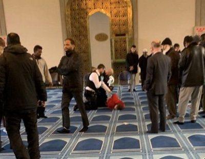 Un ultraderechista apuñala al muecín de la Mezquita Central de Londres