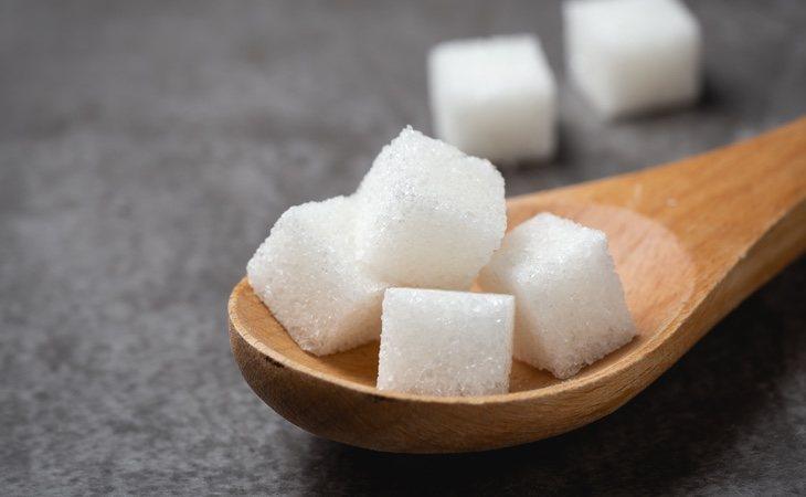 Una lata contiene casi siete terrones de azúcar