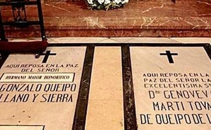 Tumbas de Queipo de Llano y su esposa en la Macarena