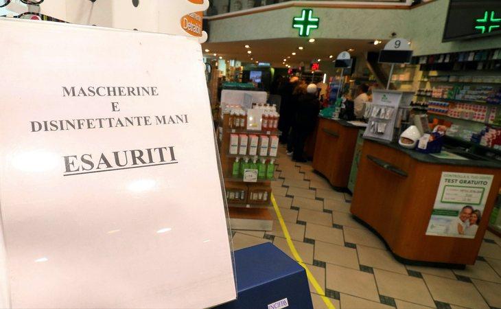 Mascarillas y gel desinfectante, agotados en farmacias italianas