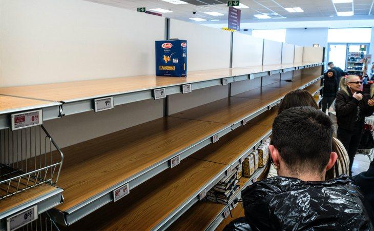 Desabastecimiento en algunos supermercados de Italia