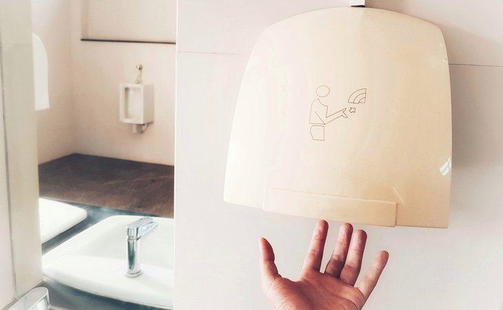 Los secadores de mano no matan al virus