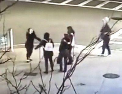 Propinan una brutal paliza a una madre y su hija menor por hablar español en Boston