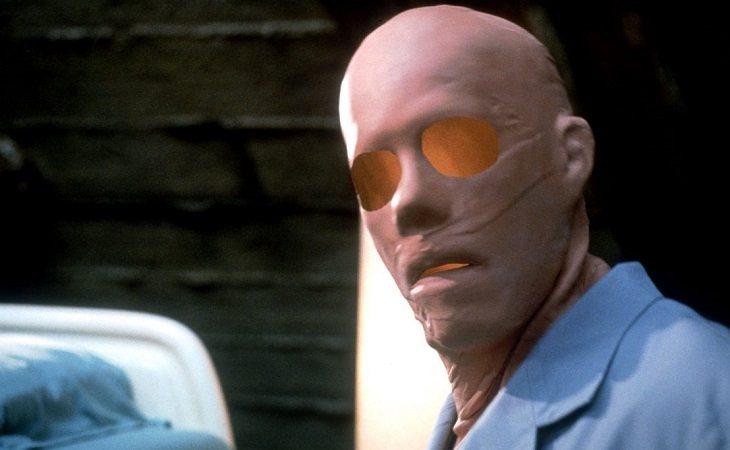 Kevin Bacon en 'El hombre sin sombra', de Paul Verhoeven