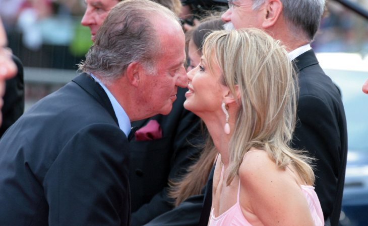 El rey Juan Carlos se reunió con Corinna cuando amenazó con tomar medidas legales