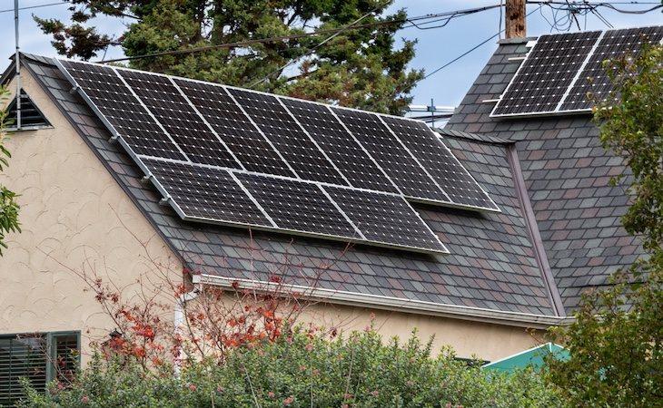 Con los paneles solares ahorraríamos entre un 50 y un 70%