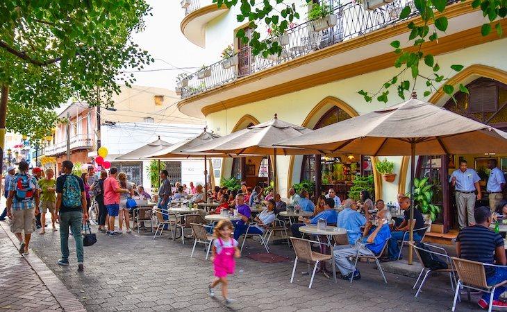 Santo Domingo es característico por su alegría