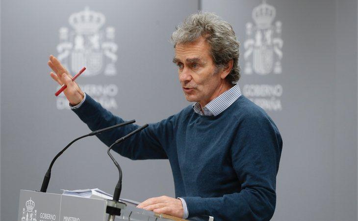 Fernando Simón ha informado que le están obligan do a las comuniddes que implementen las medidas de control
