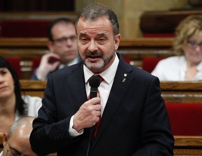 Dimite un conseller de la Generalitat por los casos de acoso sexual de su exjefe de gabinete