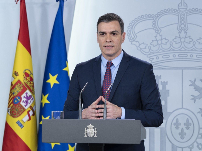 El Gobierno se erige como única autoridad de España: limita desplazamientos, cierra tiendas y moviliza al Ejército
