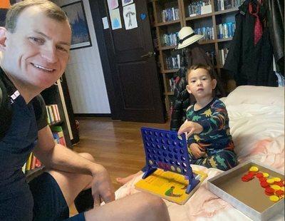 El 'padre de la BBC' explica desde Corea del Sur cómo pasar la cuarentena en casa con niños