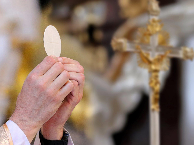El Opus Dei pide a sus devotos que no asistan en pijama o chándal a las misas online