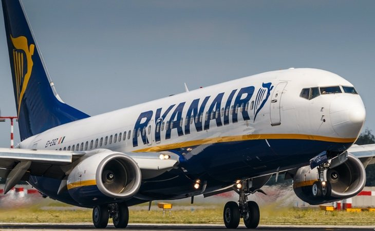 Ryanair recortará el sueldo de sus empleados