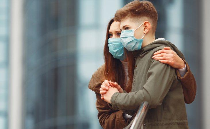 La media de edad de los infectados no ha sido igual en España que en Alemania