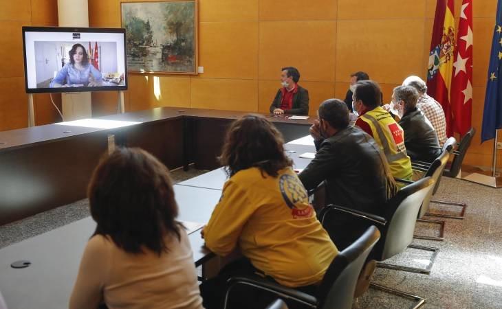 Isabel Díaz Ayuso reunida con miembros de Ifema
