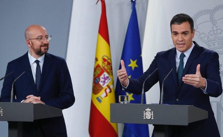 Charles Michel, presidente del Consejo Europeo, y Pedro Sánchez