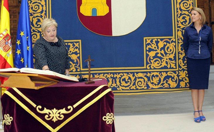 La presidenta de la asociación de víctimas del coronavirus, tomando posesión como secretaria de Asuntos Sociales de Castilla-La Mancha por orden de Cospedal