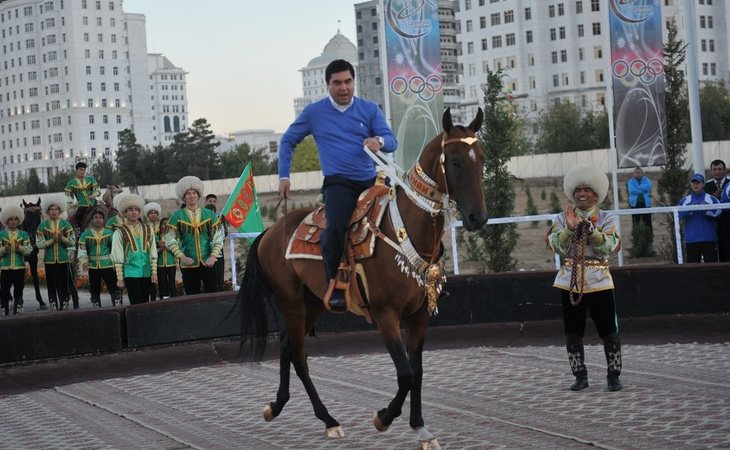 Gurbanguly Berdimuhamedow mantiene un régimen similar al de Corea del Norte