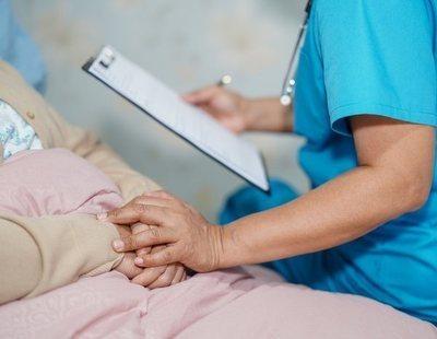 El Gobierno prohíbe oficialmente la discriminación de pacientes por edad en las UCI