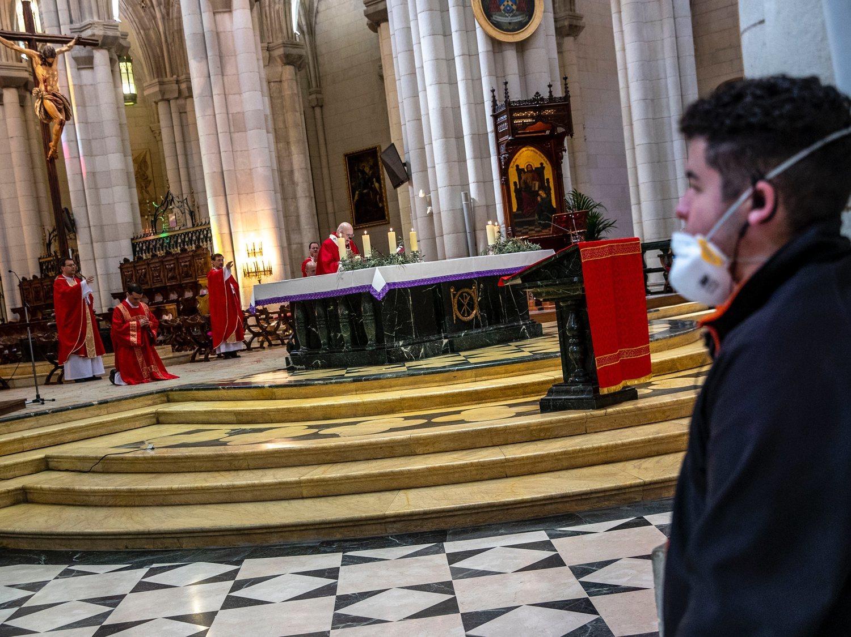 """Abogados Cristianos al Gobierno de """"persecución religiosa"""" por interrumpir misas durante el estado de alarma"""