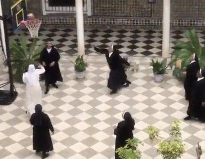 Unas monjas de Sevilla jugando al baloncesto en el convento: el último viral